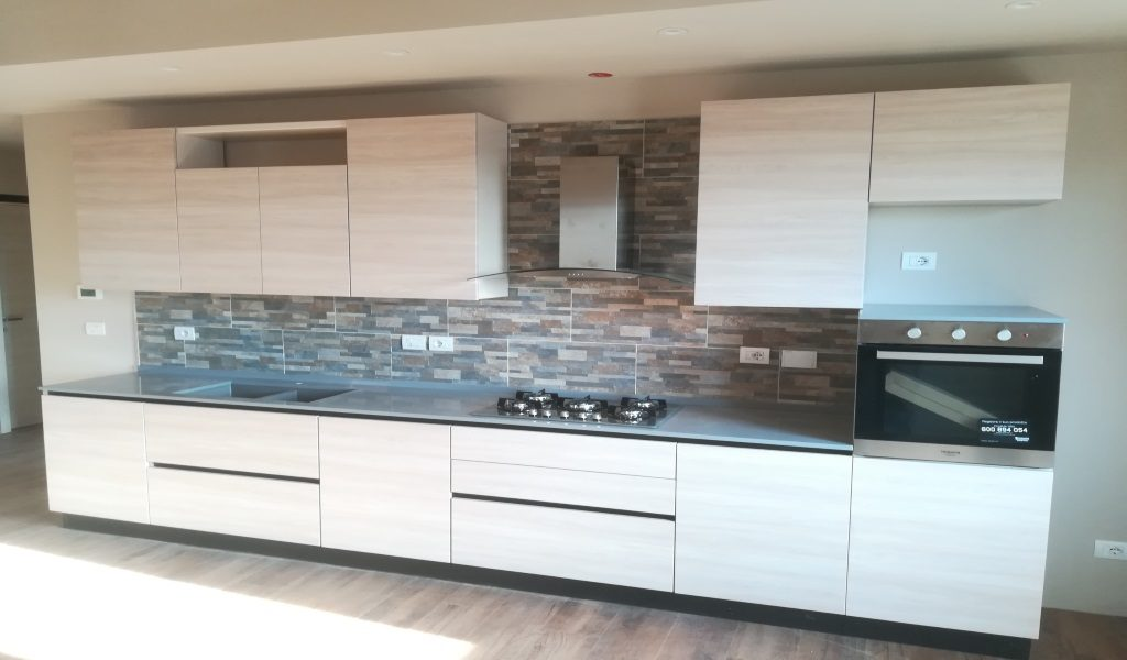 Creo kyra open lightbox with creo kyra fitted kitchen - Cucina lube kyra ...